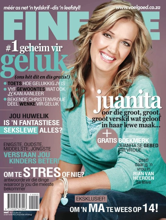 Juanita Du Plessis altyd beeldskoon in blou op die Mei FINESSE voorblad