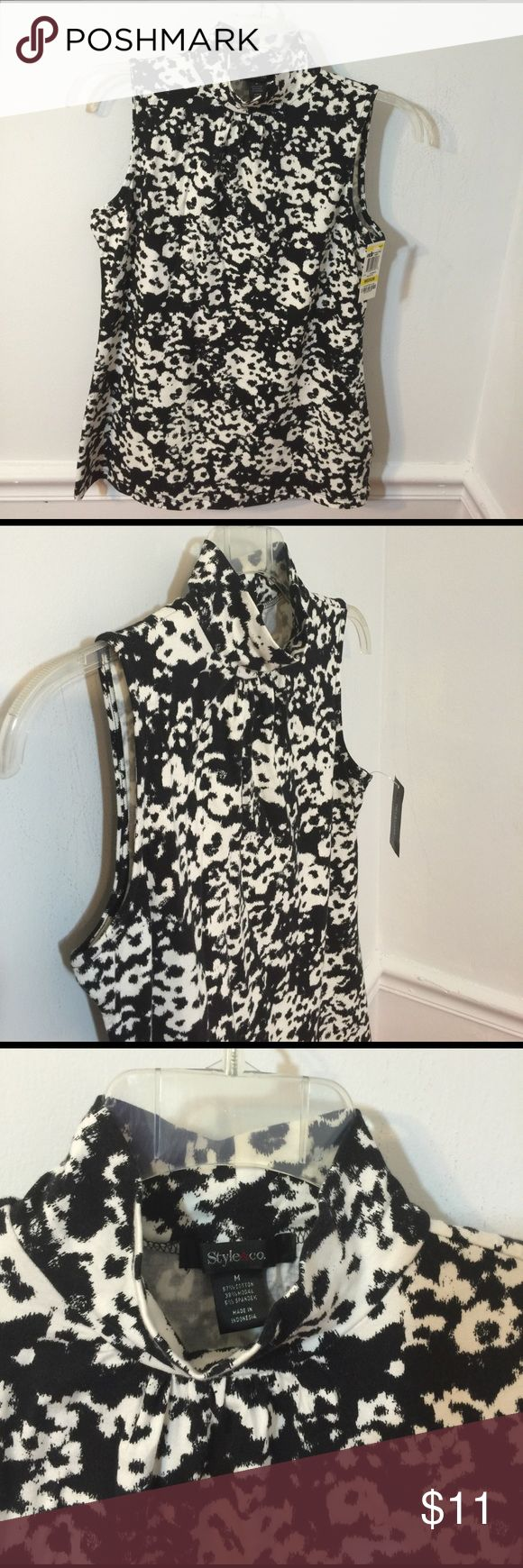 """Style&co M Sleeveless Turtleneck Top Black&White NWT Style&co ~Medium~ Sleeveless Loose Turtleneck Top Black & White Gorgeous NEW  Armpit to Armpit measures 17.5"""" (stretchy material)  Length is 26""""  Comes from a smoke and pet free environment Style&Co Tops Tees - Short Sleeve"""