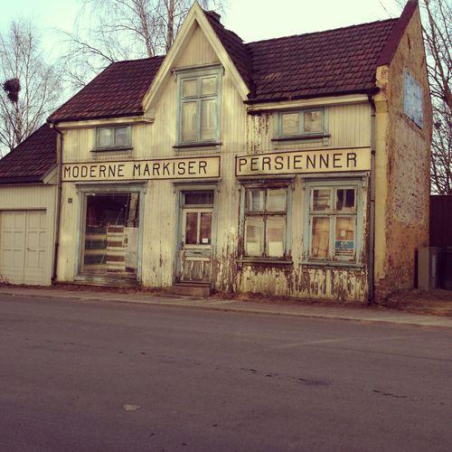 Abandoned Buildings Newcastle Uk: 14 Best INSIDE OLD HOUSES Images On Pinterest