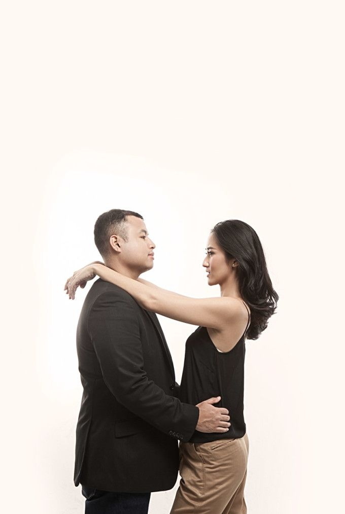 Classy And Timeless Pre-Wedding Studio Session - 009