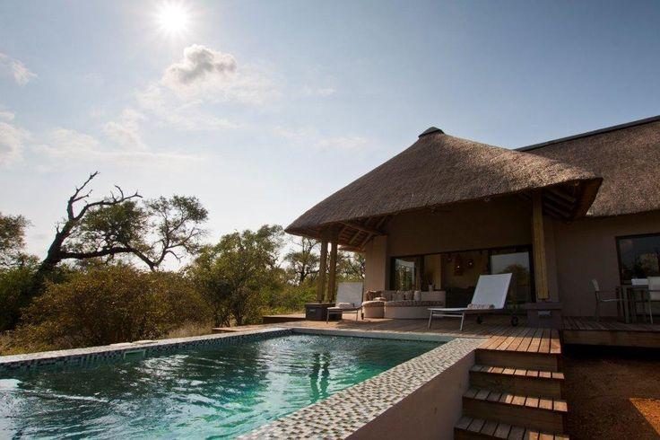 Villa Blaaskans is een luxe vakantieverblijf in Zuid-Afrika. De villa is gelegen in de buurt van het Kruger National Park en de Blyde River Canyon in de safari-hoofdstad van Zuid-Afrika: Hoedspruit (Limpopo). Het vakantiehuis beschikt over een eigen zwembad, het is op 10.000 m2 eigen grond, waardoor de ultieme privacy en de natuur te garanderen…