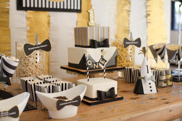 Mr. ONE-derful party! What an awesome 1st birthday party idea!