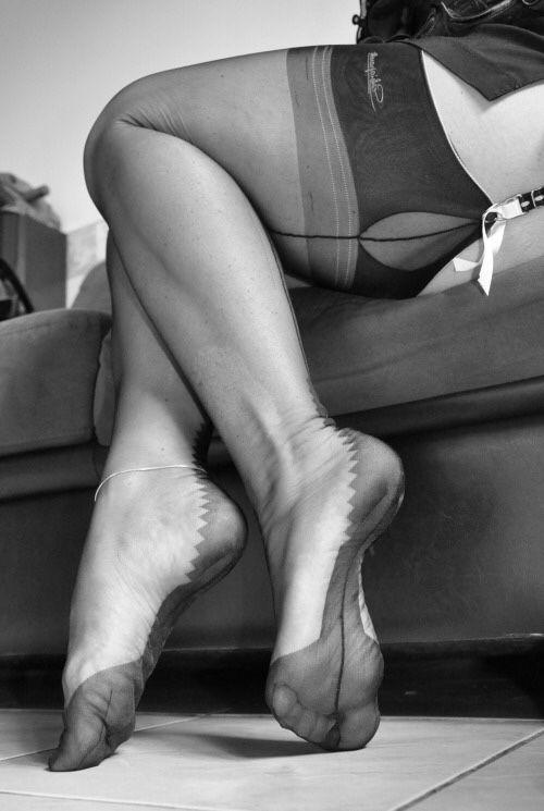 Nylon stockings 50s foot fetish lady cheyenne de muriel - 2 part 10