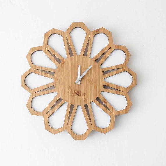 Reloj de pared madera de bambú Sunburst 70s Retro por HOMELOO