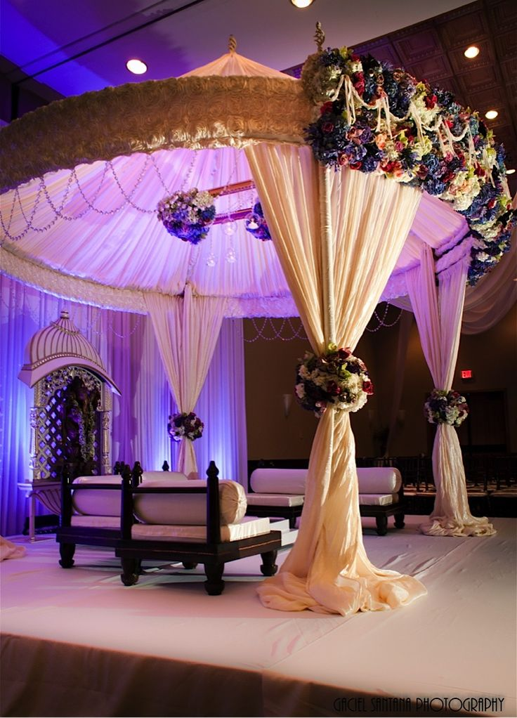 Beautiful round canopy mandap