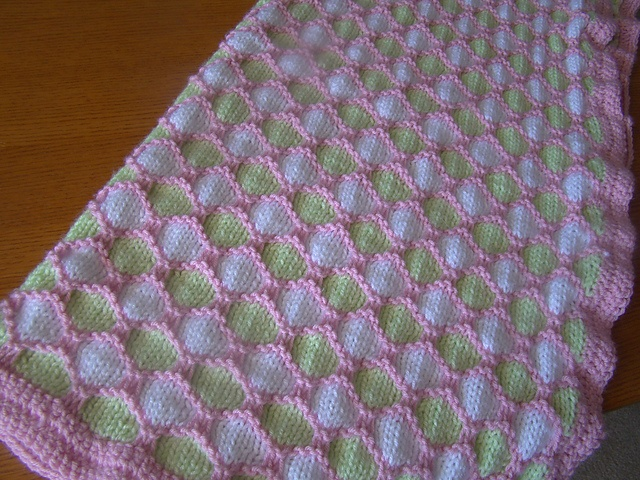 Knitting Pattern For Honeycomb Baby Blanket : Ravelry: Project Gallery for Honeycomb Stroller Blanket pattern by Terry Kimb...