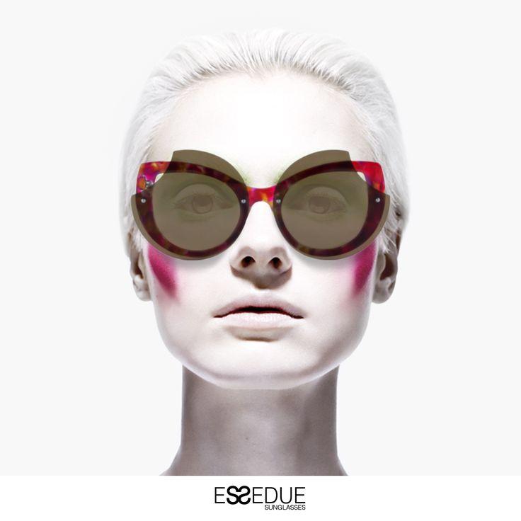 #essedue #design #sunglasses #esseduesunglasses #sunglassesdesign #white #occhiali #occhialidasole #lunettes #vintage
