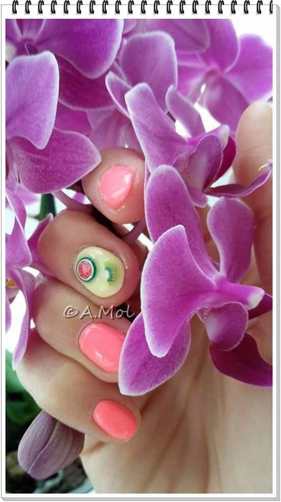 Manicure hybrydowy i owocki fimo