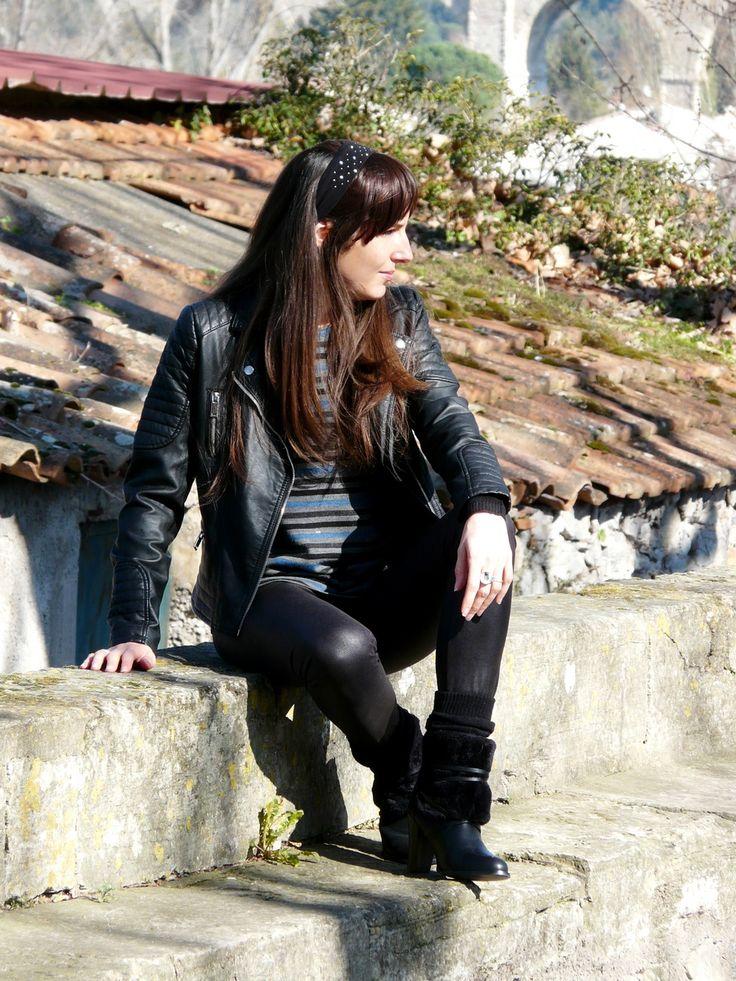 Legging Roxie de la Maison Victor. Prochainement sur mon blog: http://lescreationsdecaroscrap.blogspot.fr