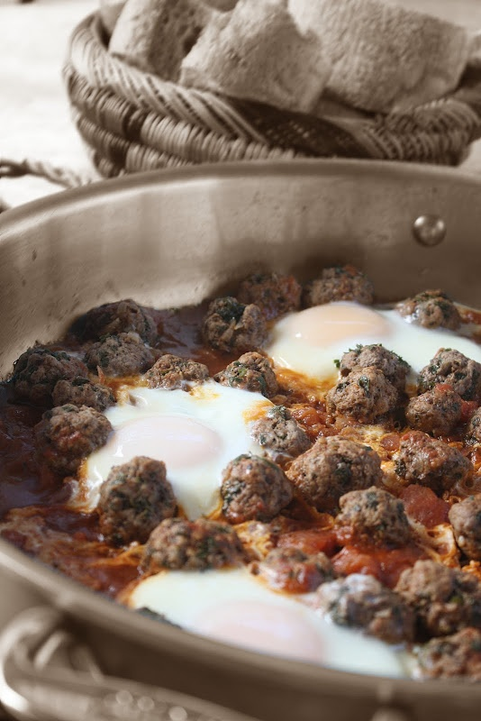Wow, does this ever bring back memories! Very traditional Moroccan dish. I'd try it with ground turkey. Moroccan Meatball and Egg Tagine (Kefta bel Beid)
