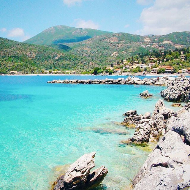I am a huge fan of the Greek islands! Here again, #Lefkas with the cute bay of #Poros village.