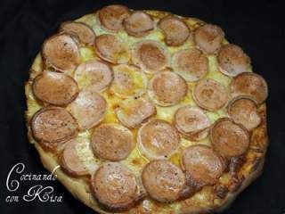 Pizza de salchicha alemana (KitchenAid y horno tradicional)