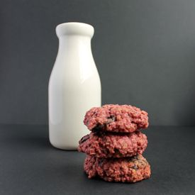 Beet Chocolate Chunk Cookies!! I LOVE this website! She bakes with veggies!