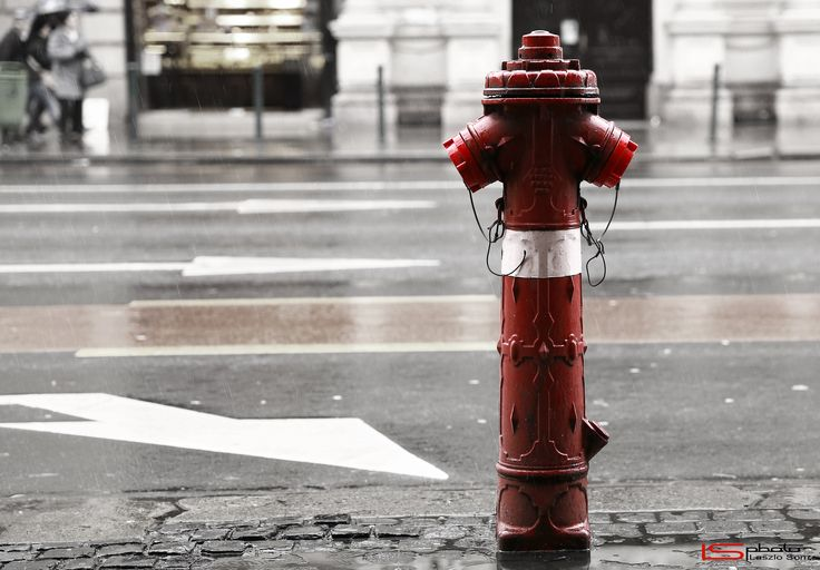 Red hydrant by Laszlo Som on 500px
