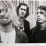 Hace algunos días una joven subió a su cuenta de twitter unas fotografías del primer concierto de Nirvana que consiguió en el álbum de fotos de su padre