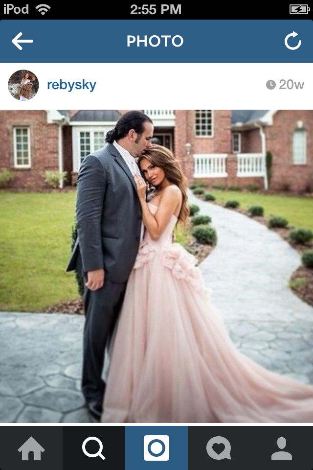 Matt Hardy married Rebecca Reyes Hardy (Reby Sky) from TNA wresting since 2013!