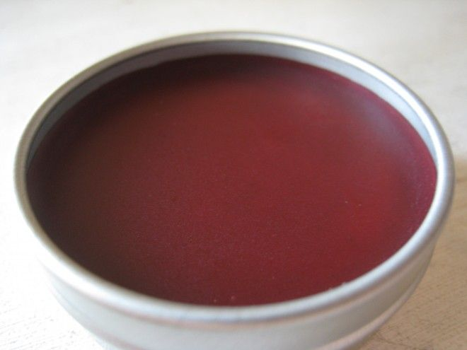 [ DIY: Naturally Tinted Herbal Lip Balm ] Using coconut oil, olive oil, coconut butter, beeswax, vitamin e oil, (your choice, optional) essential oil, and Alkanet Root Powder. ~ more from FrugallySustainable.com
