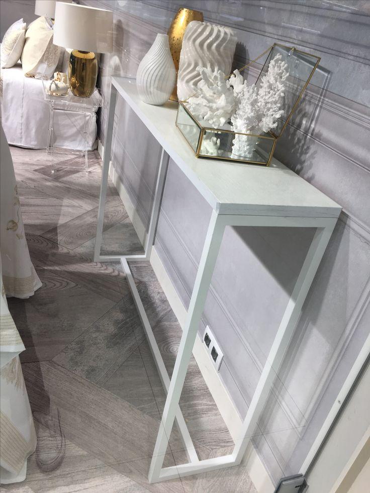 Zara home side hallway table  Looking for such table everywhere. Best 25  Zara home ideas on Pinterest   Zara casa  French bathroom