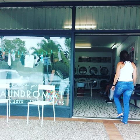 You'll find our cute Gold Coast Laundromat  at 17  Ikkina Road, Burleigh Heads. We're open 5.30am - 10pm 365 days.  We have 10 washers (including 2 x 18kg and 2 x 14kg large capacity washers), 8 gas driers, a change machine, detergent & softener dispensers and free parking.  This is a clean, friendly and well loved laundromat that also  offers a wash, dry, fold and an ironing service.   Enjoy free, pure,  alkaline water courtesy of Pure Water Burleigh and free bubbles!