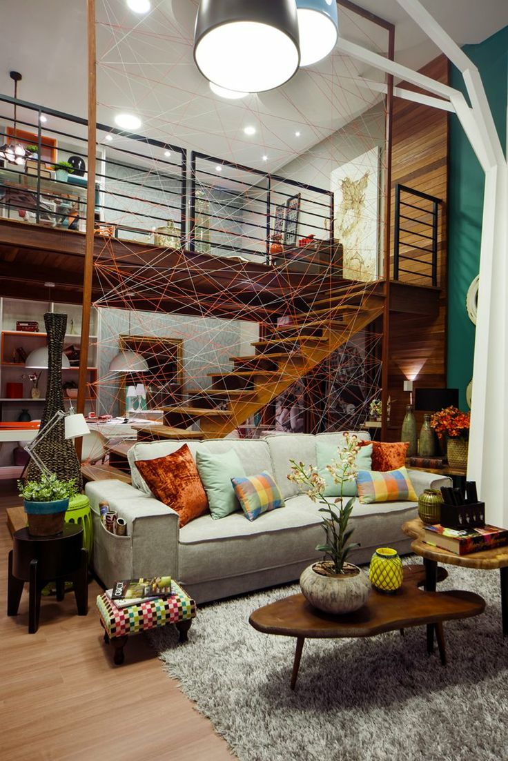 salon ouvert, mezzanine, hauteur...