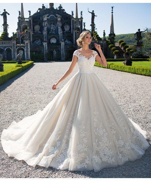 Gown de mariée originale à la mode 2018   – Hochzeitskleider – #Hochzeitskleid…