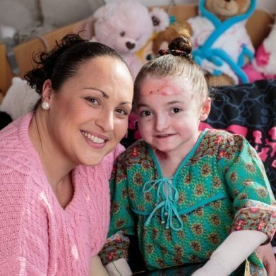 Maisie Keetch aged 8 has Epidemolysis Bullosa, a painful ...