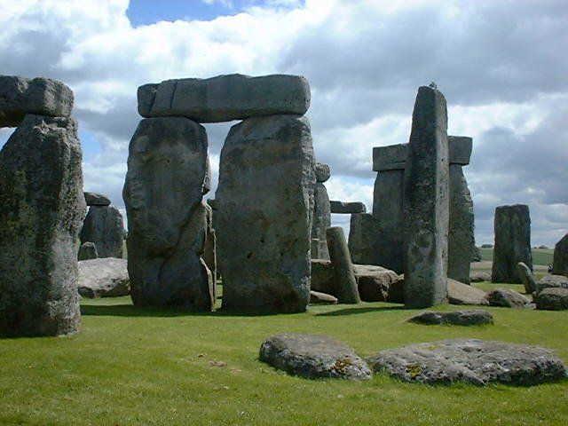 Stonehenge the mysterious rocks of england