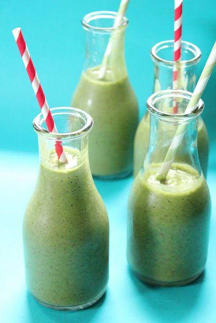 Eat Good 4 Life » Spinach and strawberry smoothie  forget the honey!! They are sweet enough without it.