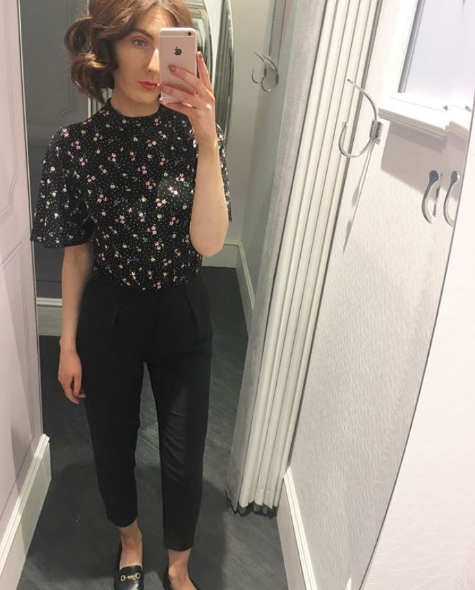 Our Ditsy Angel Sleeve Top, featured by @viviennelouise_ on Instagram. Click the selfie to shop the look! #oasisfashion