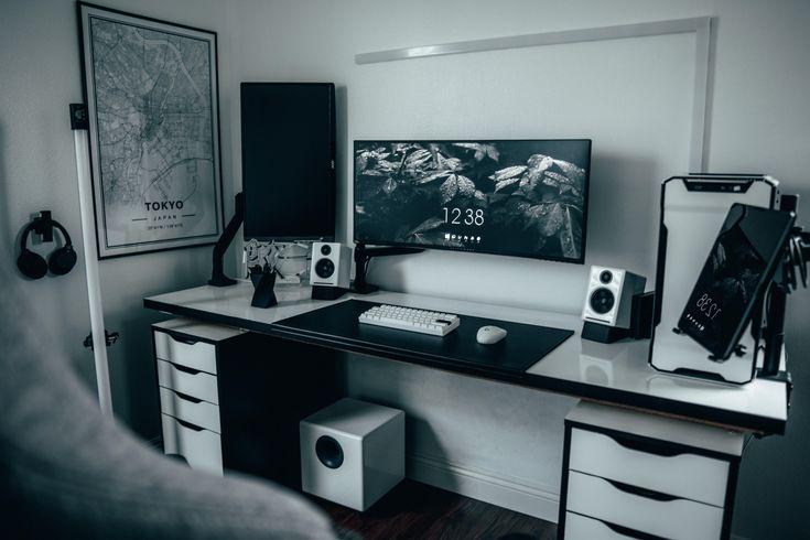 One of those black and white setups in 2020 setup
