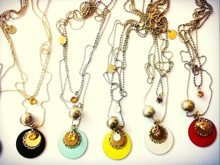 Different matt enamels for Planet 3 rounds necklace. #necklace #collane #colors #Yellow #red #cream #browns #turquoise #woman #fashion #style #outfit #swarovski #jewel #bijoux #girl #natanè