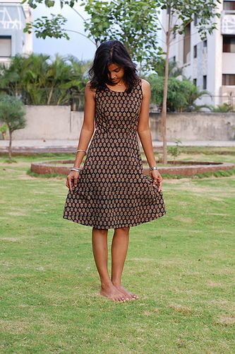 Coffee Date dress without ruffle (free pattern available at BurdaStyle) Designed by http://selfishseamstress.wordpress.com