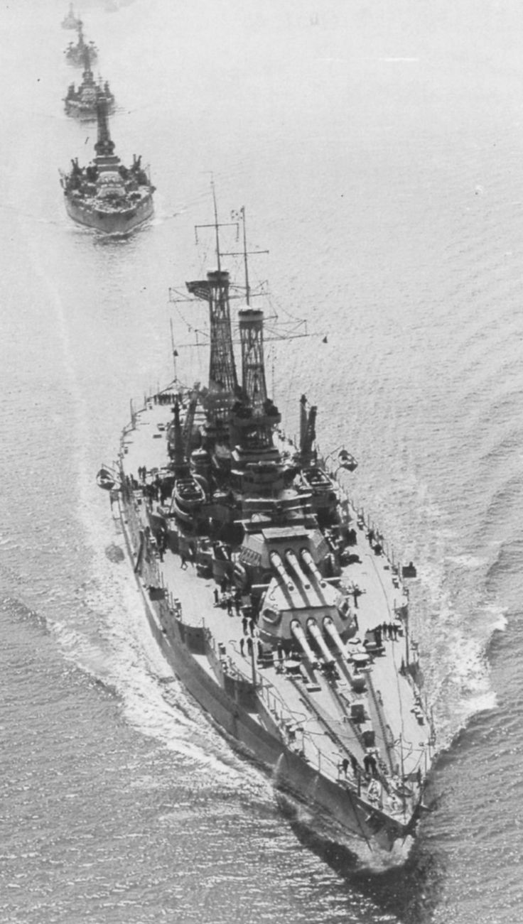 USS New Mexico (BB-40), followed by the USS Oklahoma and USS Nevada in 1919