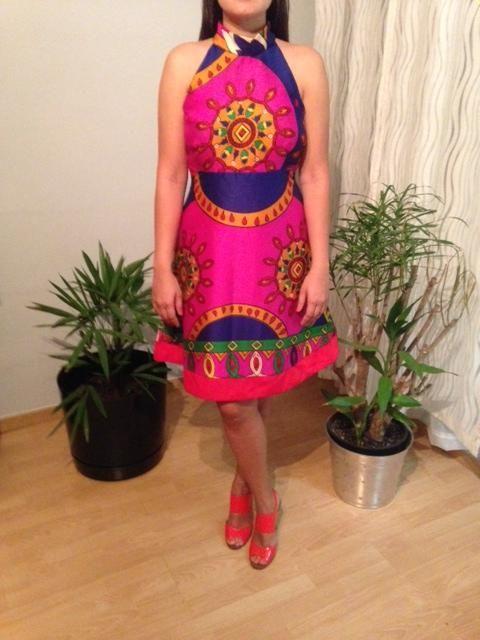Vestido de calle confeccionado con tela Paruma.  Siguenos en instagram guairabyjt.