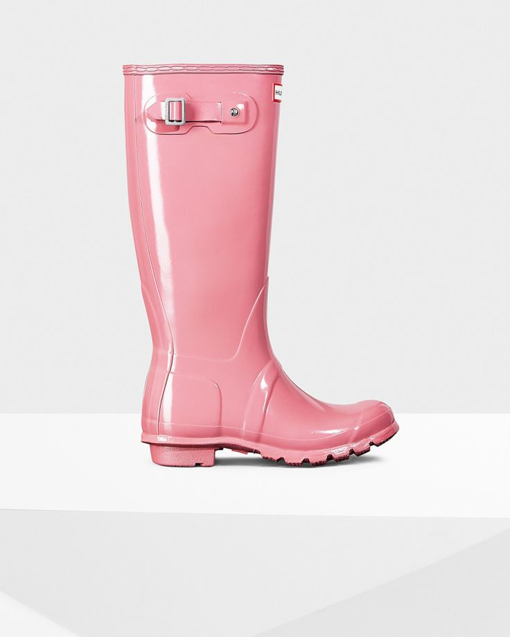 Hunter: Gloss Wellington Boots, rain boots. Fall outfit. See more boots >>> http://bit.ly/1Pv5AF1