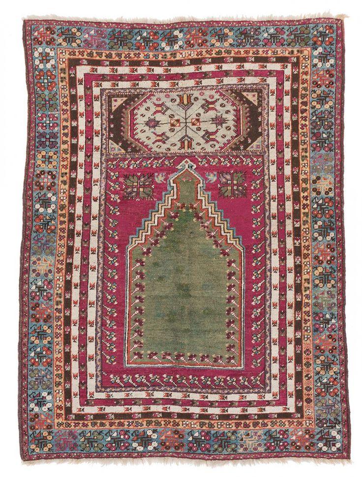 Kirshehir 165 x 122cm (5ft. 5in. x 4ft.) Turkey, seconf half 19th century