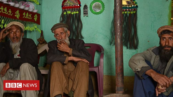 Badeshi: Only three people speak this 'extinct' language  Three old men in remote northern Pakistan are thought to be the very last Badeshi speakers.