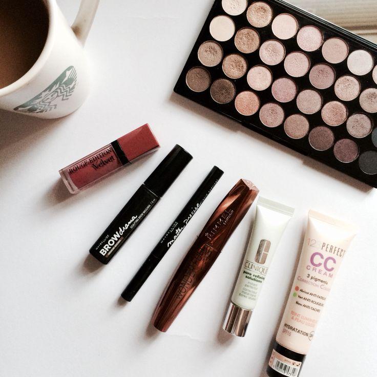 Essentials!   http://chocolatefashioncoffee.blogspot.ro/