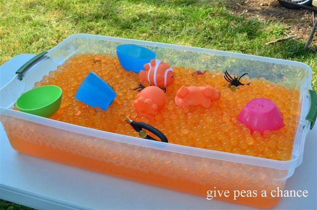 keeping little hands busyWater Parties, Kai Lan, Ni Hao, Water Beads, Beads Tables, Sensory Play, Parties Ideas, Birds Parties, Bubbles Parties