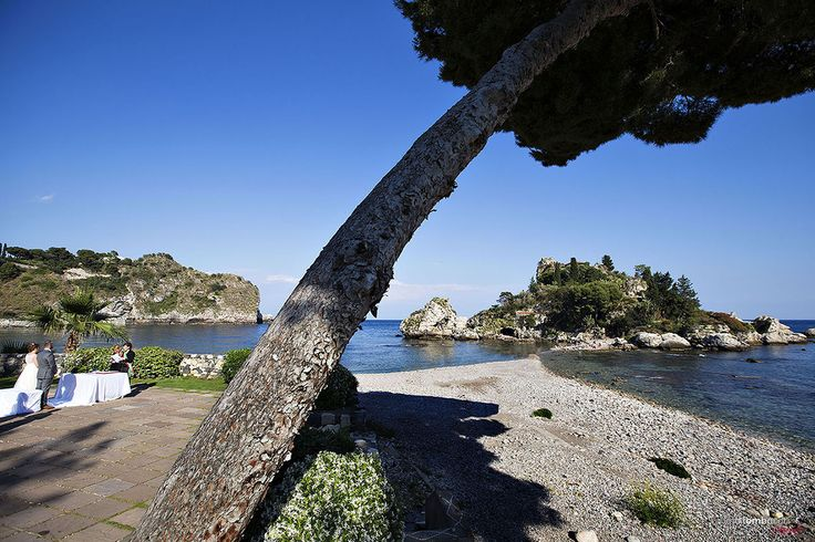 Destination • La Place Resort Taormina • Best Sicily Venue • Wedding • Real Wedding Ceremony on the beach • Nino Lombardo Photographer