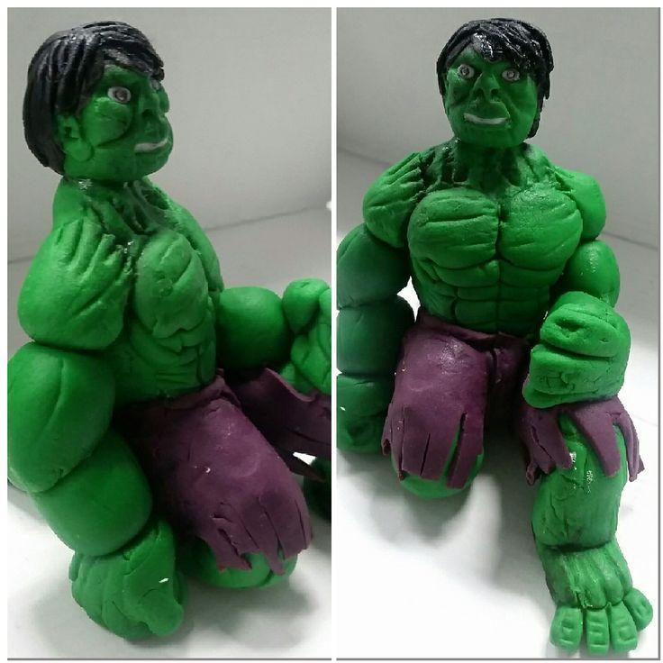 Incredible Hulk cake topper