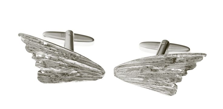 And of course we have something for the groom as well. Our gorgeous Lax cufflinks fit beautifully with any occasion.