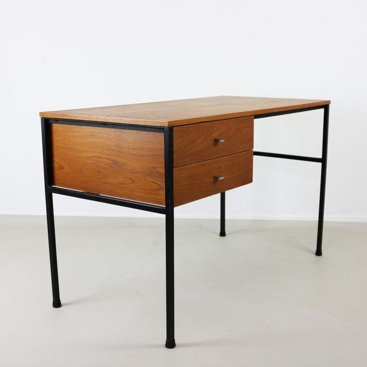 For sale through VNTG: Writing Desk from the sixties by Pierre Guariche for Meurop | #58786