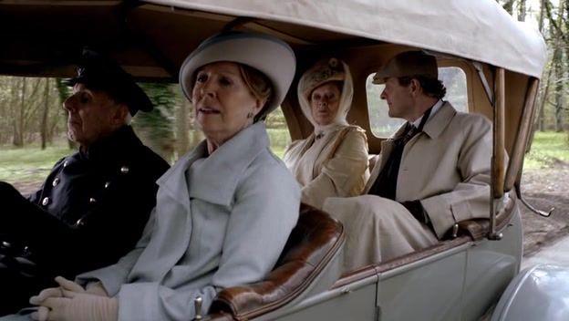 Recap of Downton Abbey Season 3 Episode 3 (S03E03) - 17