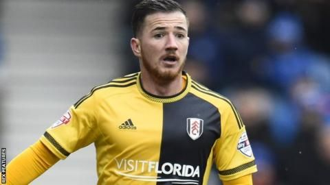 Ross McCormack: Fulham striker signs new contract until 2020