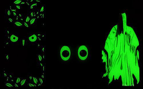 le nostre cover si illuminano al buio glow in the dark LUMINOL