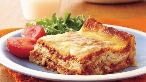 Resep lasagna berikut ini sangat enak dan lezat banget. Cara membuat lasagna sederhana ini tidak sulit dan step-stepnya sangat simple.