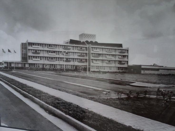 Edificio del Hospital de Maestros,año 1967,San Juan,Puerto Rico.