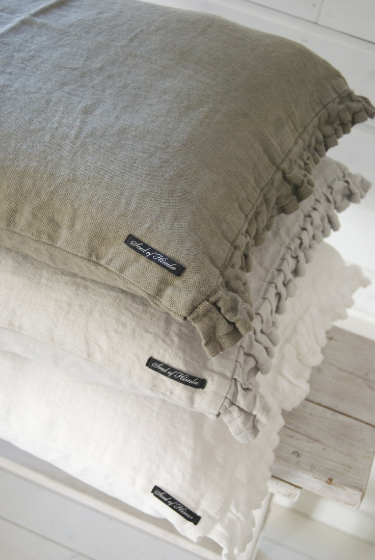 ruffled linen pillows - make these will the linen material we have