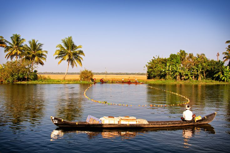 https://flic.kr/p/nBJXNw | Fishing in the river at Alleppey Backwater, Kerala. india